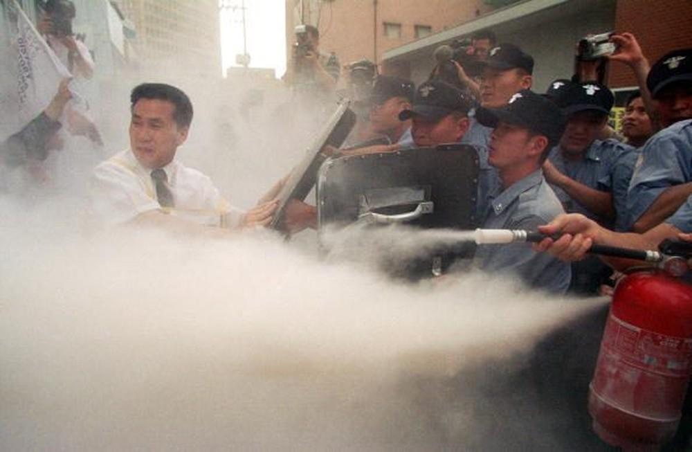 Nên làm gì khi bị bỏng lạnh do bình chữa cháy khí CO2 gây ra
