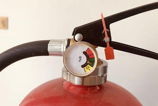 Lý giải bình chữa cháy có đồng hồ đo áp chỉ vạch vàng - đỏ - xanh